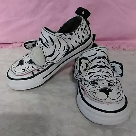 21024fc0abe920 Converse Other - Converse Baby Chuck Taylor